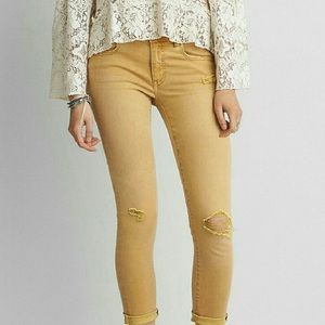 American Eagle Super Stretch Jegging Crop Yellow